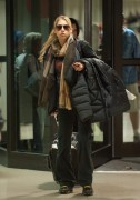Anna Kournikova at LAX Airport, 12 December, x6