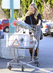 Джули Бенц, фото 1127. Julie Benz leaving the Bristol Farms Market in Beverly Hills, january 17, foto 1127