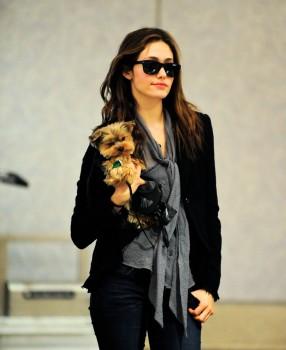 Эмми Россам, фото 3317. Emmy Rossum Looks Great with Her Dog LAX 2/17/12, foto 3317